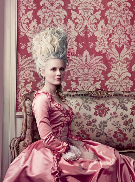 Marie Antoinette Fashion Queen Returns The Rabbit Hole